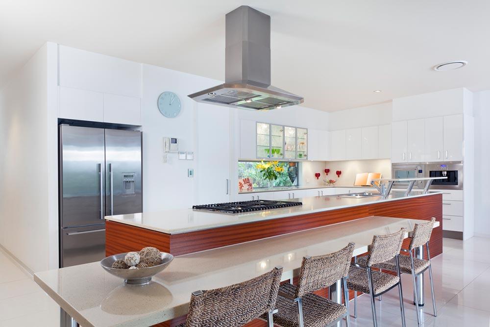 kitchen-breakfast-bar-