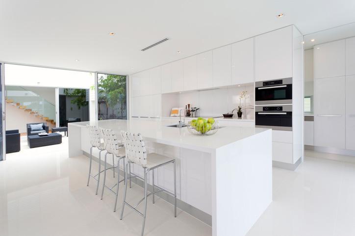pure-white-kitchen_kitchen-plumbing-services-Melbourne